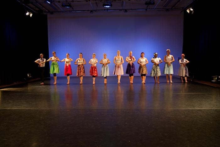 Performing-Arts-students-in-class